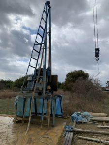 井戸を掘る